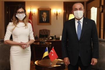 Treffen ukrainischer Vizeaußenministerin mit dem türkischen Amtskollegen: Krim im Mittelpunkt