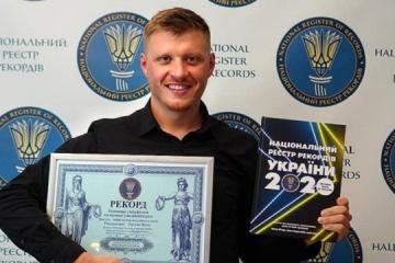 El odesita Ruslan Verin establece un récord al escalar el volcán Uturuncu en bicicleta