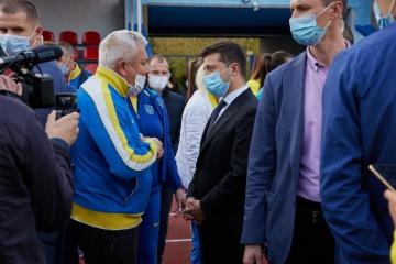 В «Большое строительство» в 2021 году включат легкоатлетический манеж в Кременной - Зеленский