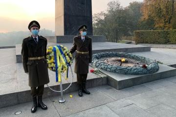 Zełenski uczcił pamięć poległych podczas II wojny światowej