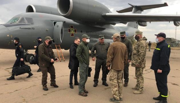 Урядова група вилетіла на Луганщину, де вирують пожежі