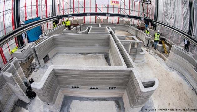 На 3D-принтері друкують перший у Німеччині будинок з бетону