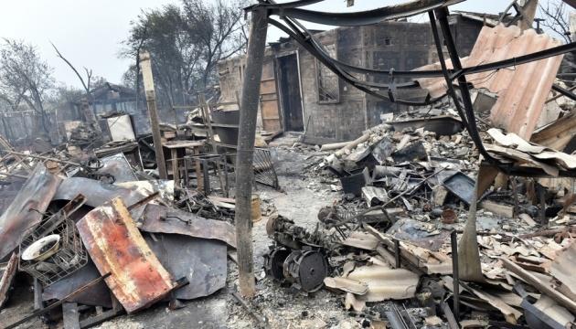 На Луганщині - сильне задимлення, пожежі гасять з повітря