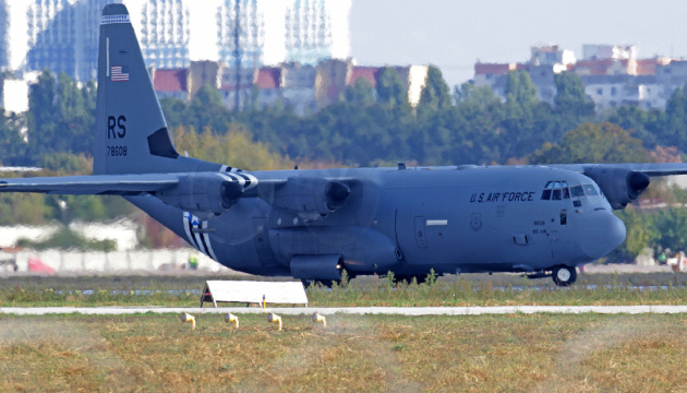 Військовий літак США після завершення ремонту вилетів аеропорту «Одеса»
