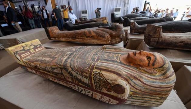 Египет показал 59 саркофагов возрастом более 2500 лет