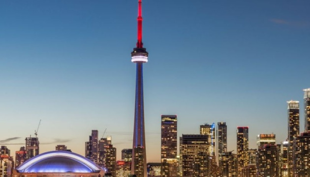 Найвища будівля Канади закрилася для туристів через COVID-19