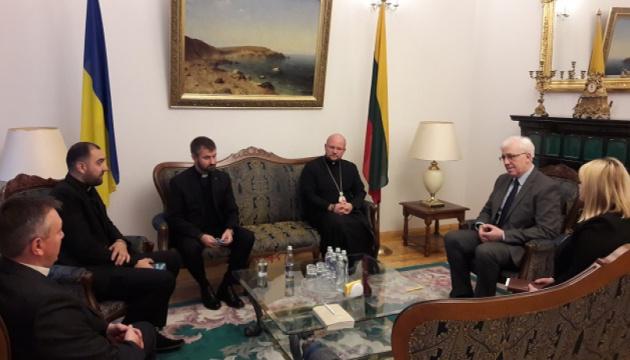 Посол Яценківський і єпископ УГКЦ Сус обговорили співпрацю й допомогу українцям в Литві