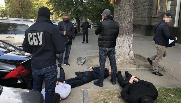 У Києві «посади» помічників депутатів «Слуги народу» шахраї продавали за $18 тисяч