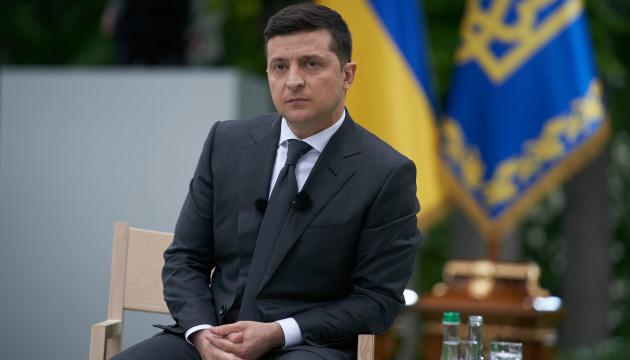 Zełenski weźmie dziś udział w szczycie prezydenckim w Warszawie