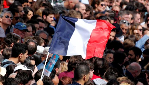 Президентська кампанія-2022 у Франції: ті самі особи, вид збоку