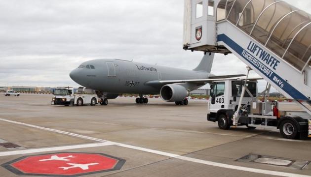 Бундесвер відправив літак до Києва, щоб забрати на лікування українських бійців