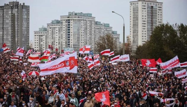 Захоплення влади і екстремізм: Знаку і Колесниковій у Білорусі висунули нові обвинувачення