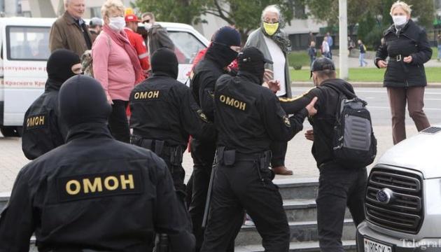 На задержанных в Минске журналистов завели дела