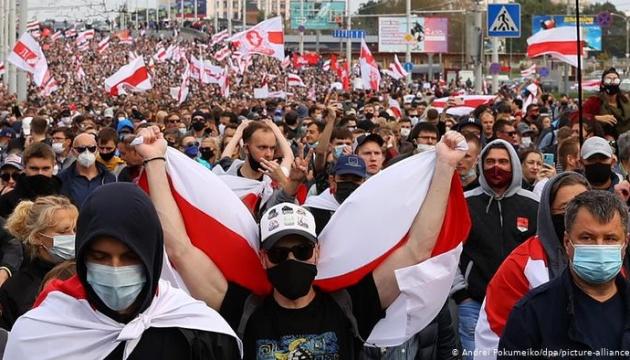 Netflix снимает в Киеве фильм о протестах в Беларуси