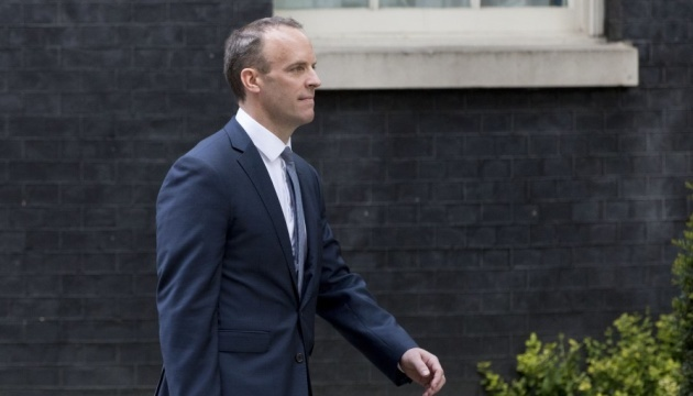 El ministro de Exteriores británico da bienvenida a Zelensky en Londres