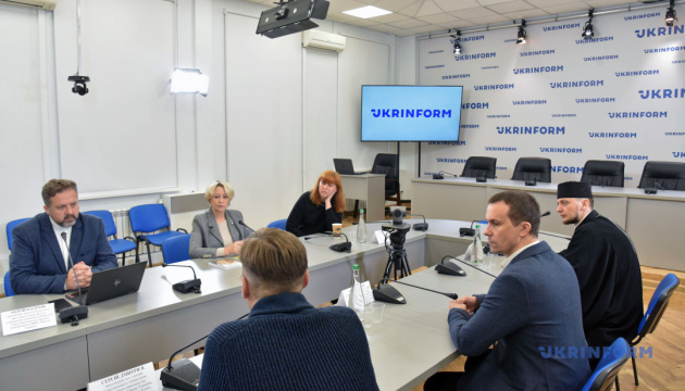Україна потребує законодавчого запровадження медичного капеланства - експерти