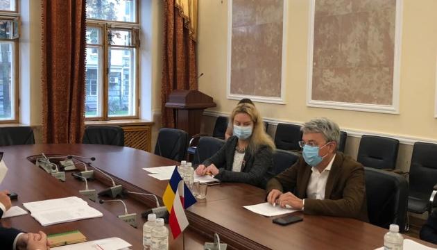 Tkachenko y Cichocki discuten la cooperación cultural entre Ucrania y Polonia