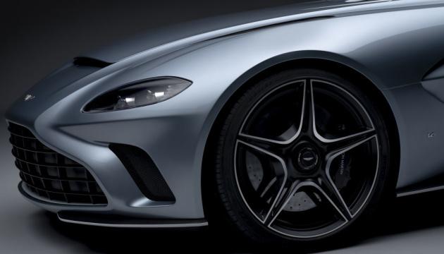 Aston Martin показала перший прототип суперкара V12 Speedster