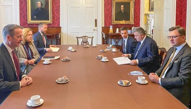 Кулеба і Аваков обговорили в Лондоні безпекову співпрацю України та Британії