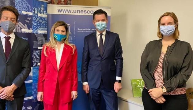 Dzhaparova discute la situación en Crimea ocupada y Donbás en la OSCE