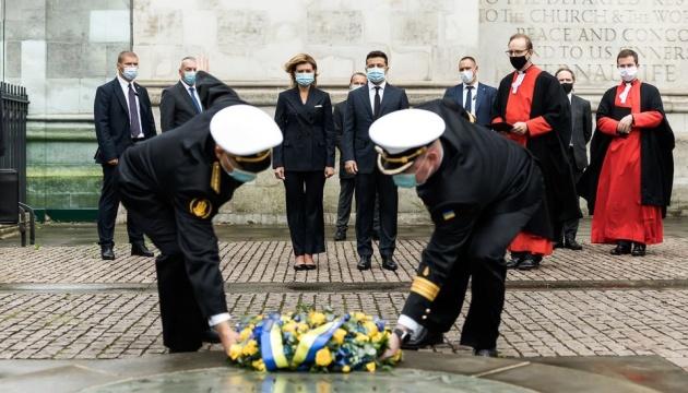 Зеленський з дружиною біля Вестмінстерського абатства вшанували пам'ять невинних жертв