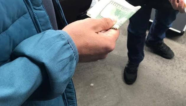 У львівській податковій виявили хабарників, СБУ прийшла з обшуками