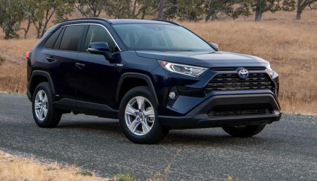 Toyota представила новий гібридний хетчбек