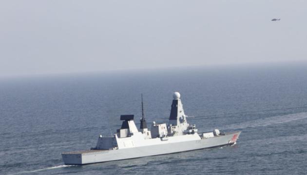 PASSEX: катерна група ВМС потренувалася з англійським есмінцем