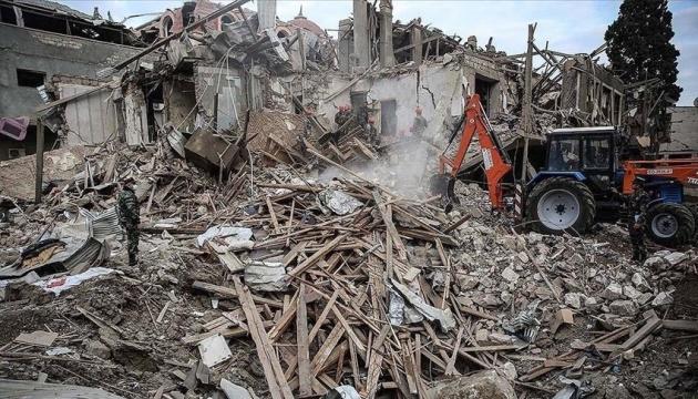 Азербайджан заявляє про 9 загиблих і 34 поранених у Гянджі, Вірменія заперечує обстріл