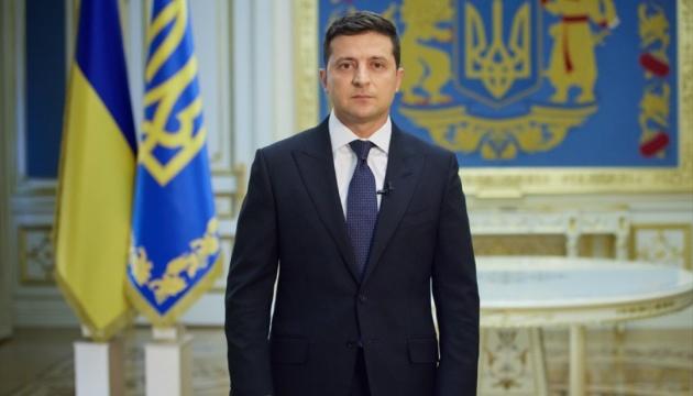 Selenskyj verrät eine der fünf Fragen, die am 25. Oktober an Ukrainer gestellt werden