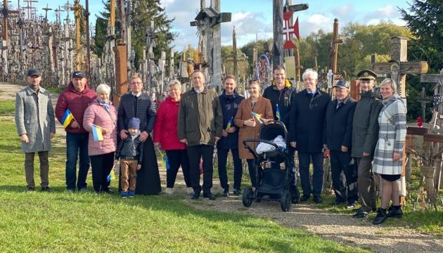 У Литві українці започаткували нову традицію до Дня захисника України