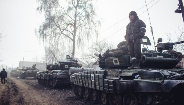 EU zeigt sich besorgt über nicht abgezogene Waffen im besetzten Donbass