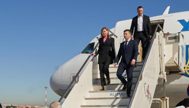 Зеленский прибыл с рабочим визитом в США для участия в Генассамблее ООН
