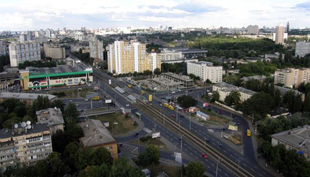 На Борщаговской горит авто, улицу перекрыли