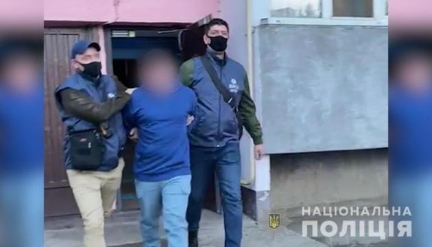 Поліція затримала підозрюваного у виготовленні та розповсюдженні дитячої порнографії