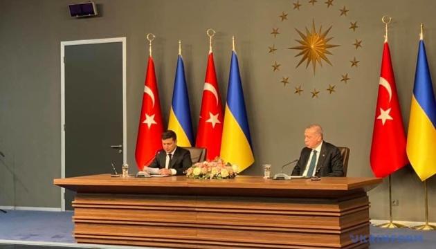 Туреччина допомагатиме у питанні звільнення українських політв'язнів - Зеленський