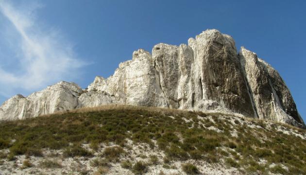 Донеччина туристична: море, гори, печери і трішки урбаністики
