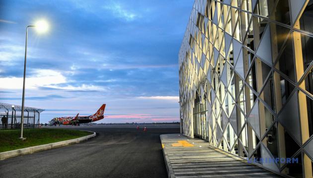 ІАТА цьогоріч прогнозує великі збитки для світових авіакомпаній через пандемію