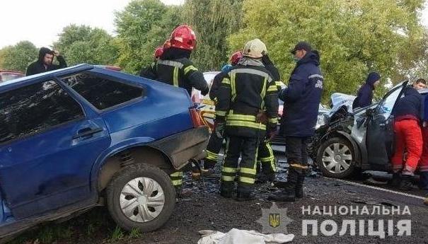 Смертельна ДТП на Львівщині: зіткнулися одразу чотири автівки