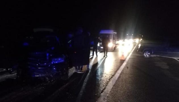 На Львівщині зіткнулися Volkswagen та Dodge, загинуло подружжя