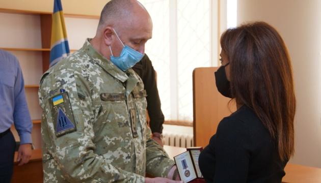 Членов экипажа самолета Ан-26 наградили посмертно