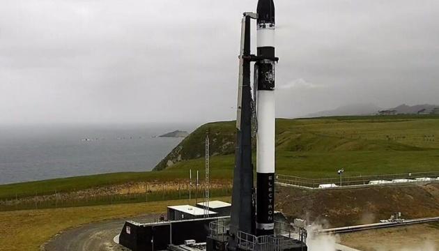 Rocket Lab скасувала запуск ракети з 10 супутниками США та Японії