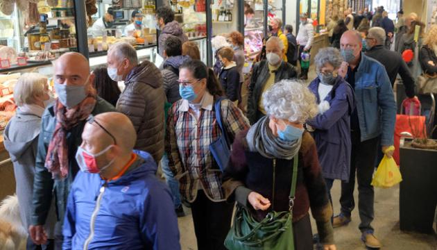 В Италии зафиксировали более 16 тысяч новых случаев коронавируса