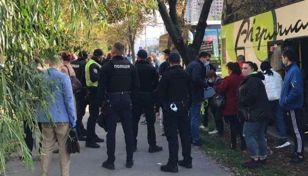 Виборчі «каруселі»: у Києві затримали два автобуси, в Ізмаїлі - три