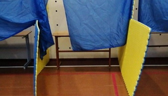 У Житомирській ТВК пояснили відсутність кабінок на деяких дільницях