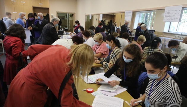 Voter turnout in Kyiv as of 13:00 is 16% – Kyiv Election Commission