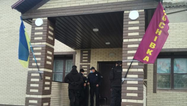 Полиция разбирается, кто открыл фейковый «участок» на Сумщине