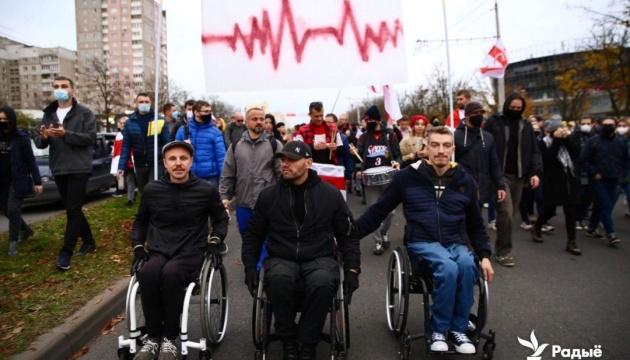 На протести у Мінську вийшли вже понад 100 тисяч осіб - ЗМІ