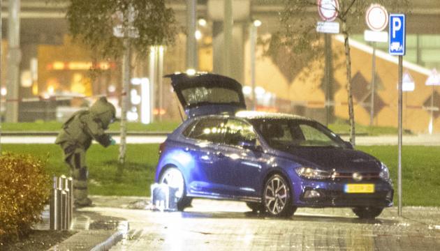 Вблизи аэропорта Амстердама обнаружили автомобиль со взрывчаткой