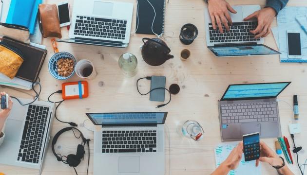 Компанії не хочуть повертатися до офісів після пандемії - дослідження Microsoft